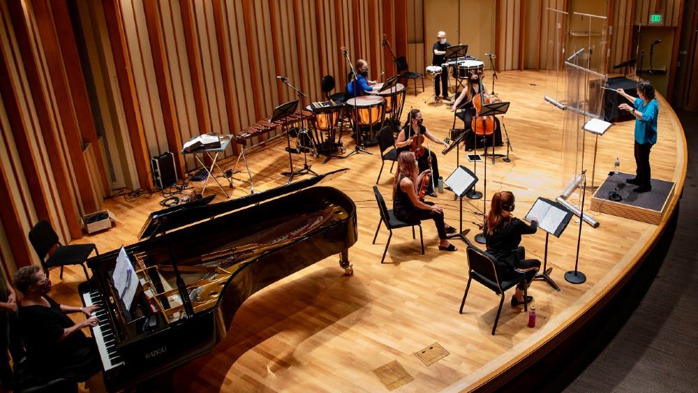 Vox Femina orchestra filming session