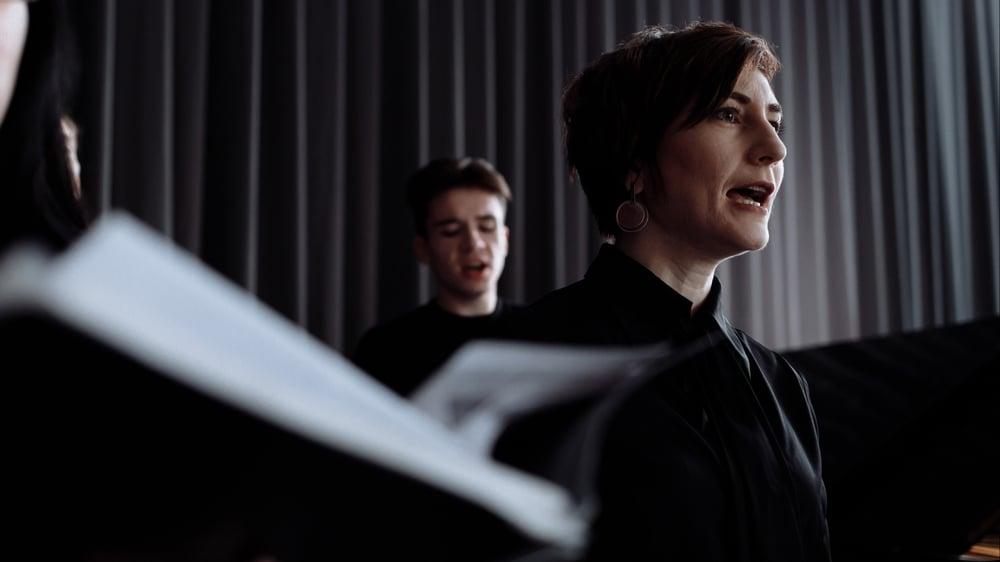 Singers social distancing in rehearsal