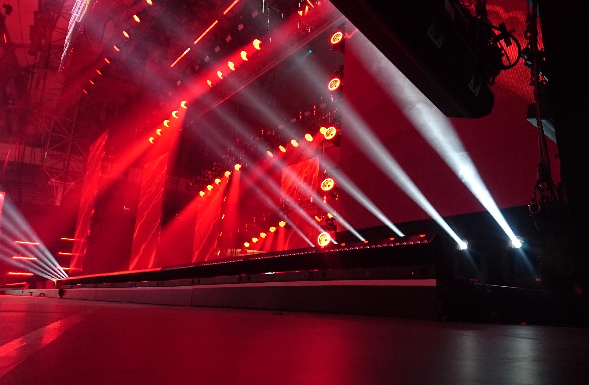 stage-2223130_1920.jpg