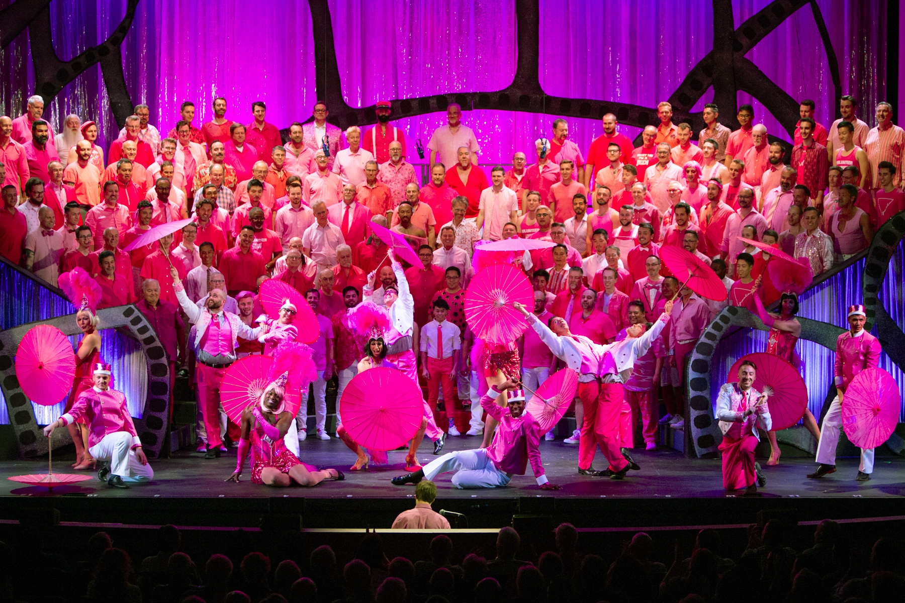 GMCLA The Pink Carpet - Photo by Gregory Zabilski-5208